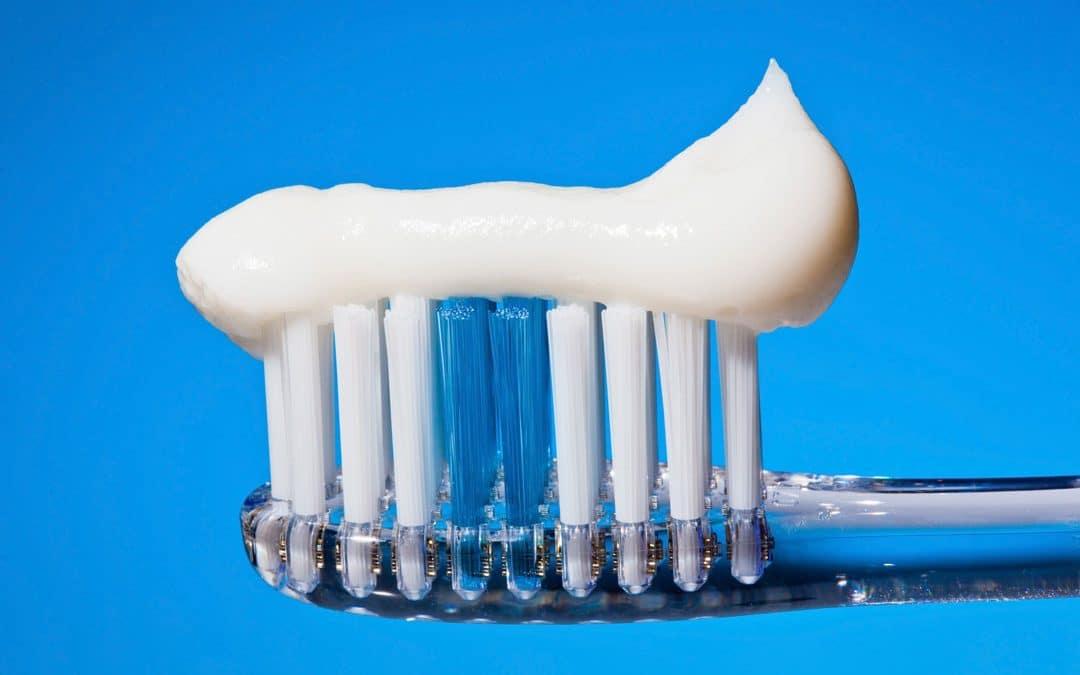 Gefährliche Stoffe in Deiner Zahnpasta